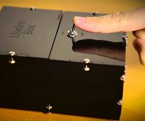 the-useless-box-kit-640x533