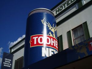 800px-Big_Beer_Can_Tooheys