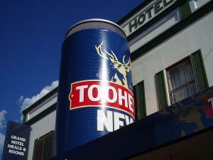 800px-Big_Beer_Can_Tooheys